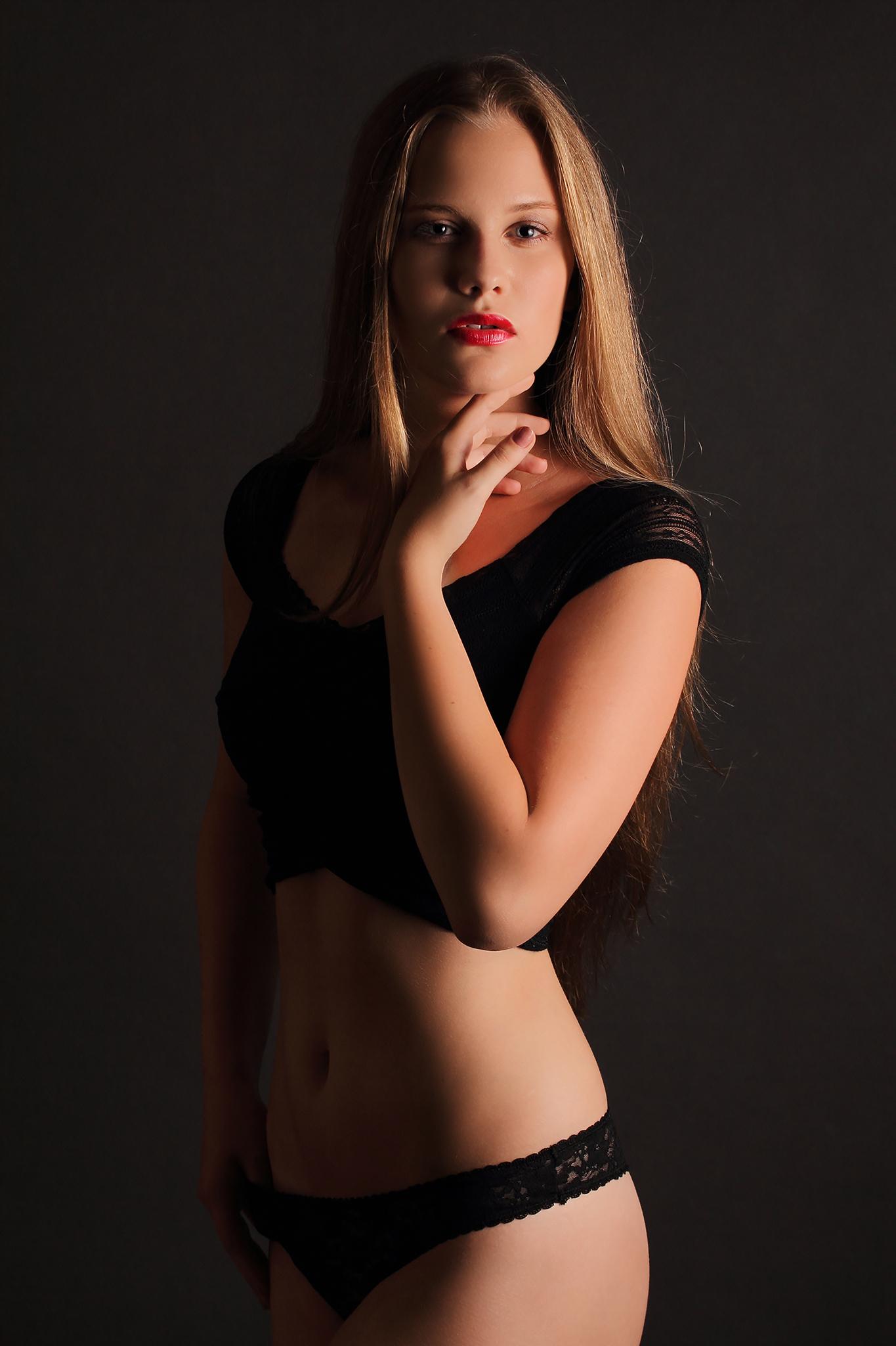 Anna-Bucsi4
